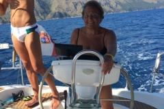 insieme sulla barca a vela 2
